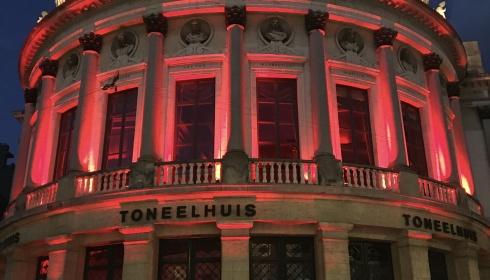 RED ALERT: ook de Bourla kleurt rood