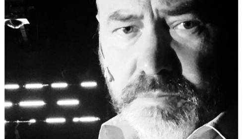 Dirk Roofthooft over zijn voorbereiding voor de monoloog Bezonken rood