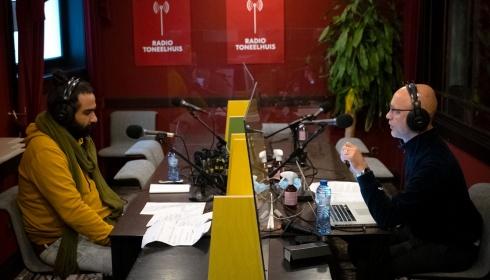 "Radio Toneelhuis: Mokhallad Rasem en Kuno Bakker maken ""slow radio"""